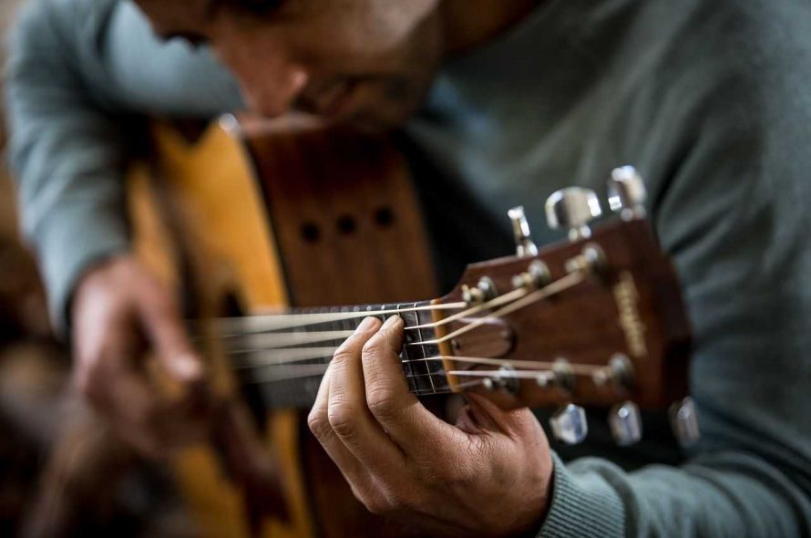 How To Play The Guitar With Small Hands